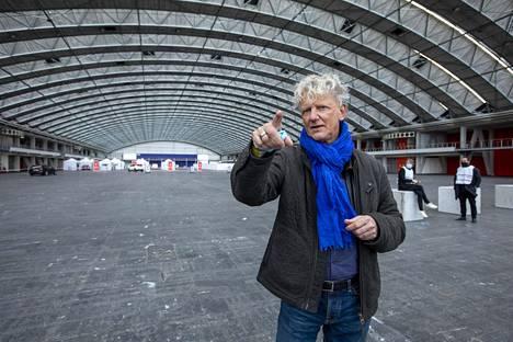Vaalijärjestelyistä vastaava projektikoordinaattori Vim Groen piti messukeskusta oivana äänetyspaikkana.