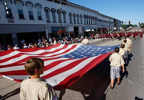 Boy Scouts of America -järjestön partiolaisia itsenäisyyspäivän paraatissa Iowassa heinäkuussa 2011.