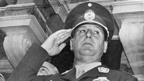 Vuonna 1974 kuollut Juan Perón liehitteli populismilla sekä vasemmistoa että Saksan natseja.