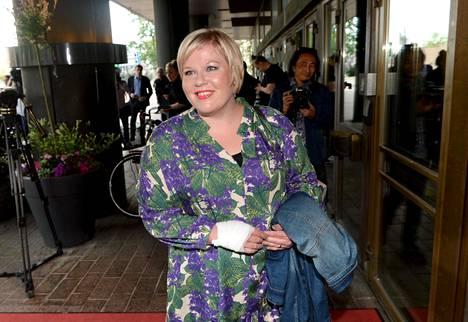 Annika Saarikko osallistui keskustan ministerivalintakokoukseen kesäkuussa Helsingissä.