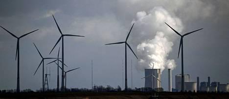 Kasvihuonepäästöt laskivat lähes kymmenyksellä viime vuonna, hiilinielu paisui.