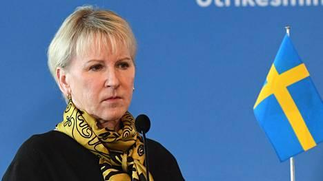 Ulkoministeri Margot Wallström kertoi, että Ruotsi on valmis ottamaan sopimuksessa tarkkailijan roolin.