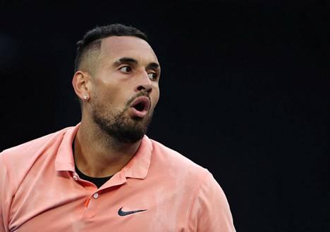 """Australialainen Nick Kyrgios on saanut maineen tenniksen """"pahana poikana""""."""