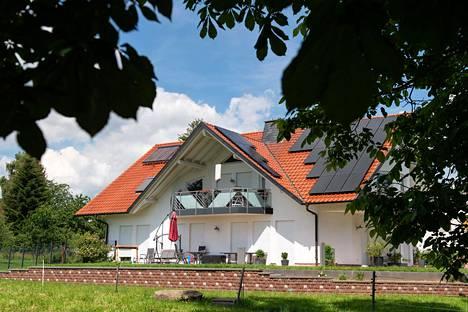 Walter Lübcken kotitalo, jonka terassille hänet murhattiin vuosi sitten.