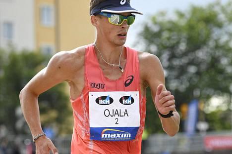 Aleksi Ojala käveli alle olympiarajan. Kuva viime vuoden Kalevan kisoista Turusta.
