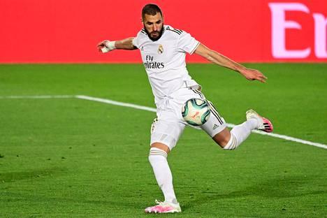 Real Madridin Karim Benzemaa uhkaa jopa viiden vuoden vankeus.