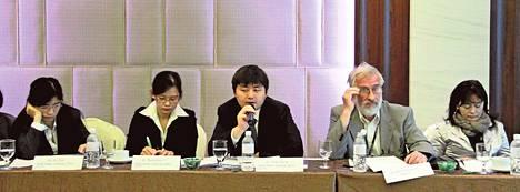 Eero Paloheimo osallistui Singaporessa Eco City -foorumiin.