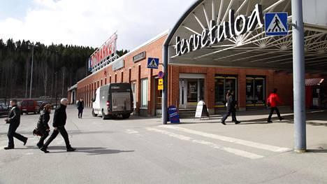 Eurojackpotin perjantain kierroksen päävoitto tuli Suomeen. Voittaja pelasi yhden rivin pikapelinä Lielahden Citymarketissa Tampereella.