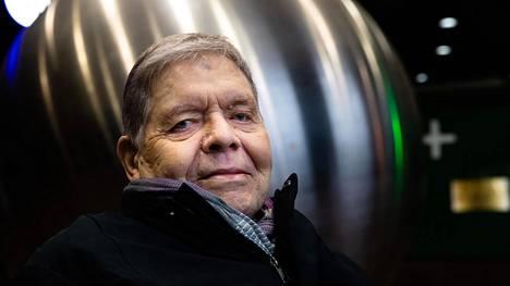 """""""Historia, siis historiakuvan luominen itseään varten, on ihmisen lajiominaisuus"""", Jorma Kalela sanoo."""