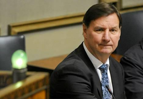 Opetusministeri Jukka Gustafsson (sd) eduskunnan täysistunnossa 12. lokakuuta.