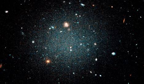 Himmeässä galaksissa on vähän pimeää ainetta tai ei lainkaan.