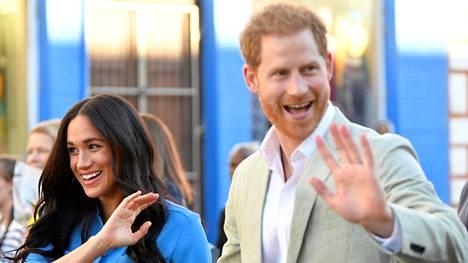 Prinssi Harry ja herttuatar Meghan haastavat brittilehden oikeuteen Meghanin ja tämän isän kirjeenvaihdon julkaisemisesta