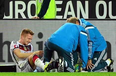 Marco Reus on sivussa ainakin neljä viikkoa nilkkavamman takia.