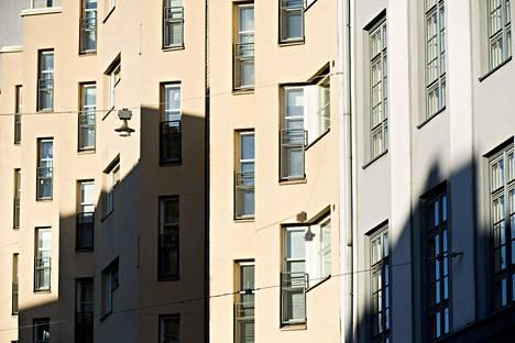 Asuntojen hinnat laskivat promillen verran Helsingissä.