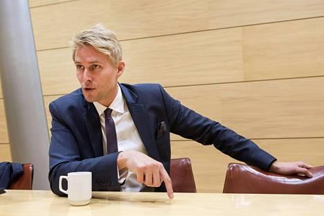 Antero Vartian mielestä on käsittämätöntä, että yritystuista hyötyjiä istui samassa työryhmässä päättäjien kanssa.
