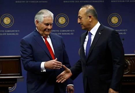 Yhdysvaltain ulkoministeri Rex Tillerson piti lehdistötilaisuuden yhdessä Turkin ulkoministerin Mevlüt Çavuşoğlun kanssa Ankarassa torstaina.