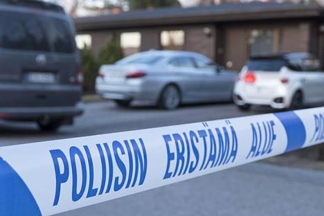 Poliisin eristämä rikospaikka vuonna 2015.