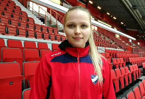 HIFK:n Johanna Kemppainen teki kolme maalia TPS:aa vastaan.