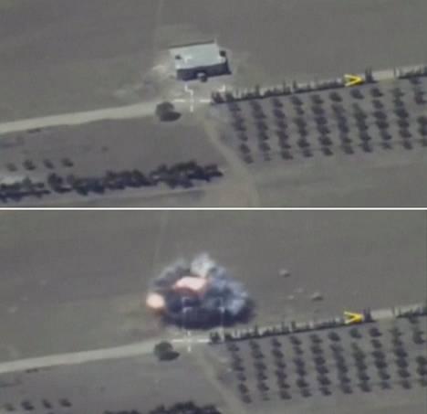 Venäjän puolustusministeriön perjantaina julkaisema kuva. Venäjän mukaan venäläisten ampuma ohjus osuu kuvassa Isis-joukkojen hallussa olevaan kohteeseen Deir ez-Zorin lähistöllä Syyriassa.