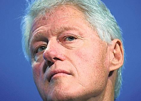 Bill Clinton (Yhdysvaltojen presidentti 1993–2001) ansaitsi valtakautensa jälkeen puheillaan 62 miljoonaa euroa kymmenen vuoden aikana. Hän on lisäksi kerännyt rahaa Haitin järistysuhreille, vapauttanut vangittuja toimittajia Pohjois-Koreasta ja osallistunut aidsin vastaiseen taisteluun.