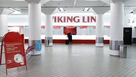 Viking Linen terminaali Helsingissä oli hiljainen 17. kesäkuuta.