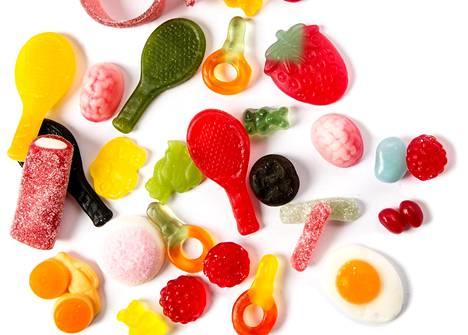 Moni asiakas hakee hyvinvointivalmennuksesta apua makeanhimoon ja tunnesyömiseen.