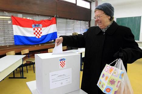 Kroatialaiset äänestivät maan EU-jäsenyydestä Zagrebissa sunnuntaina.