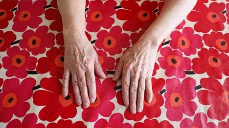 Helsingissä asuvan 80-vuotiaan Aulin säästöistä on hävinnyt viiden viime vuoden aikana kolme neljäsosaa.
