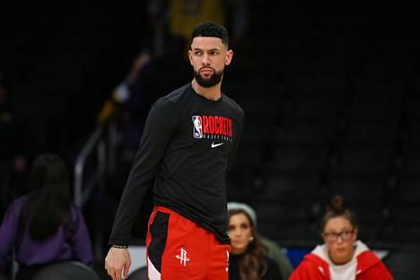 Houston Rocketsin Austin Rivers lämmittelemässä ennen helmikuussa pelattua Los Angeles Lakers -vierasottelua.