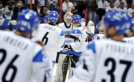 Suomen joukkue Jääkiekon MM-kilpailuissa viettää aikansa kisojen ajan yhdessä.