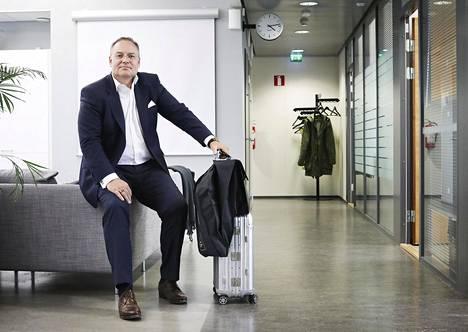 Olaf Bongwaldin asemapaikka on Saksassa lähellä asiakkaita. Suomessa hän viettää noin viikon kuukaudessa.