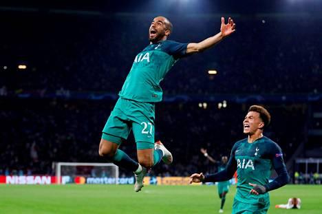 Tottenhamin Lucas Moura juhli hattutemppua Ajaxia vastaan Mestarien liigan välierissä.
