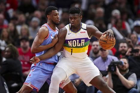 New Orleans Pelicansin pelaajille tehdyissä testeissä on löytynyt kolme koronavirustartuntaa. Pelicansin Zion Williamson kohtasi Chicago Bullsin Thaddeus Youngin helmikuussa 2020.