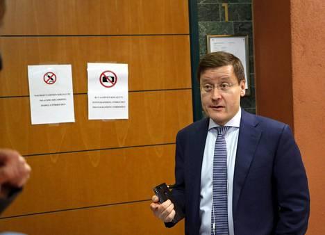 Oikeusavustaja Kaarle Gummerus vastasi keskiviikkona tiedotusvälineiden kysymyksiin Pirkanmaan käräjäoikeudessa Tampereella.