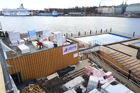 Allas-merikylpylän uuden päärakennuksen rakentamisessa on käynnissä loppurutistus, ja kaiken pitäisi olla valmista 5. toukokuuta.