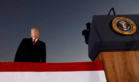 Presidentti Donald Trump vieraili Mississippin Tupelossa maanantaina.