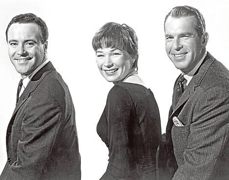 Jack Lemmon, Shirley MacLaine ja Fred MacMurray tavataan Poikamiesboksissa.
