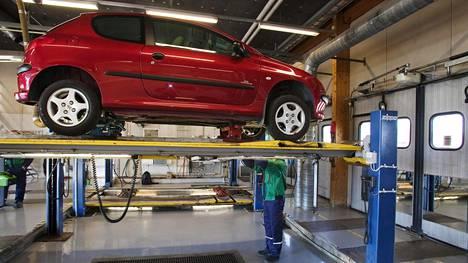 Katsastusmuutokset tulevat yksityiskäyttöisillä autoilla voimaan seuraavan katsastuksen jälkeen.