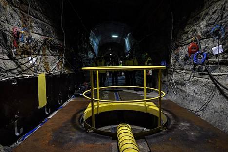 Käytetyn ydinpolttoaineen täyden mittakaavan loppusijoituskoe tutkimustila Onkalossa kesäkuussa 2018. Onkalo sijaitsee Olkiluodon ydinvoimalaitosalueella Eurajoella. Kuvassa loppusijoitusreikä, johon käytetty ydinpolttoaine sijoitetaan.