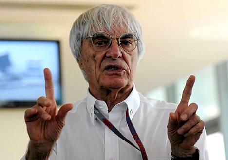 Bernie Ecclestone on kritsoinut uusia F1-sääntöjä.