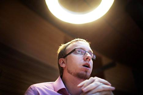 Uusi vaihtoehto -eduskuntaryhmän puheenjohtaja Simon Elo kuului nuoruudessaan vajaan vuoden kristillisdemokraatteihin.