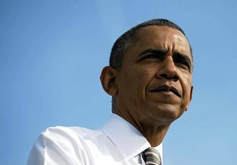 Presidentti Barack Obama vaati jälleen lauantaina kongressin republikaaneja lopettamaan kiistan.