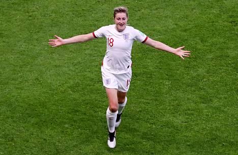 Ellen White vei Englannin 2-0-johtoon ja teki turnauksen viidennen maalinsa.