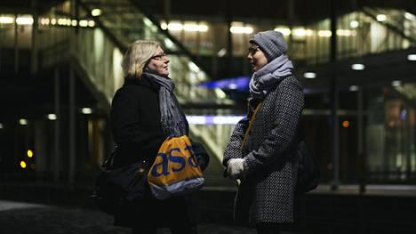 Kun töissä tai yliopistolla tehdään töitä ryhmässä, Kylli Eensalu ja Liisa Sydänmetsä hoitavat asiat täsmällisesti. Siviiliasioissa he voivat ottaa vapauksia.