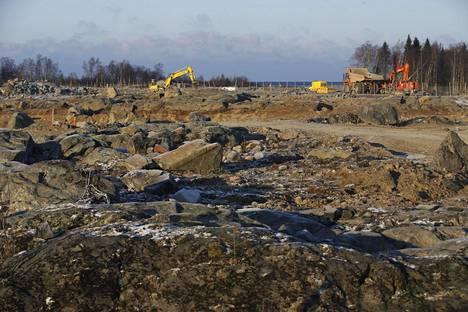 Fennovoiman ydinvoimalahankkeen työmaata esiteltiin Pyhäjoen Hanhikiven niemellä marraskuussa 2016.