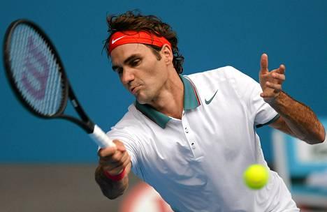 Roger Federer eteni jatkoon Australian helteessä.