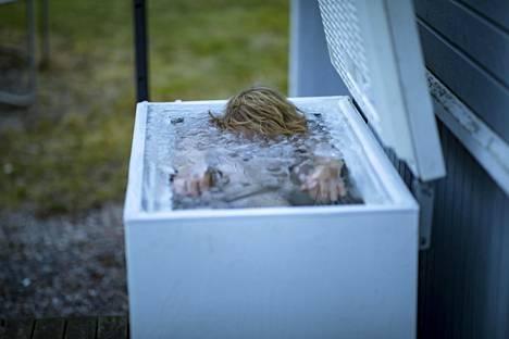 Kylmäaltistushetki kestää muutamia minuutteja aamuin illoin.