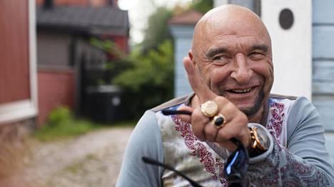 Remu Aaltonen kuvattiin kotimaisemissaan Porvoossa kaksi vuotta sitten.