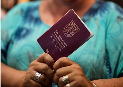 Nykyisen lain mukainen yleinen asumisaikavaatimus kansalaisuuden saamiseen on viisi vuotta ja turvapaikan saaneille neljä vuotta.