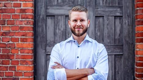 """""""Meiltä saa rahoituksen jopa viisi kertaa nopeammin kuin perinteisiltä rahoittajilta, yksinkertaisimmissa tapauksissa muutamassa päivässä"""", lupaa EstateGurun maajohtaja Matti Vansén."""